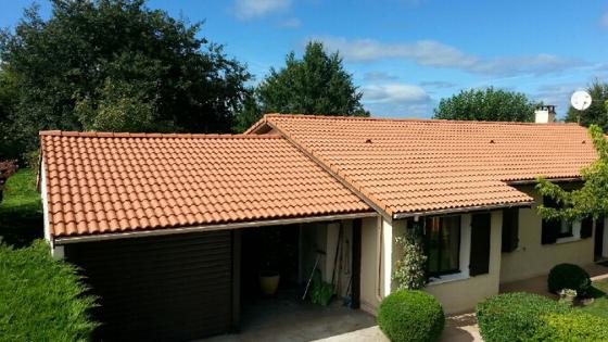 un démoussage de toiture efficace avec MaisonSûr