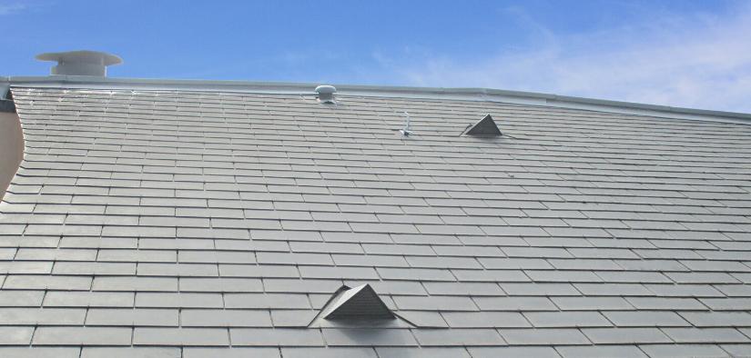 MaisonSûr, l'expert du nettoyage de votre toit en ardoise