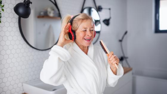Remplacer la baignoire par une douche pour senior